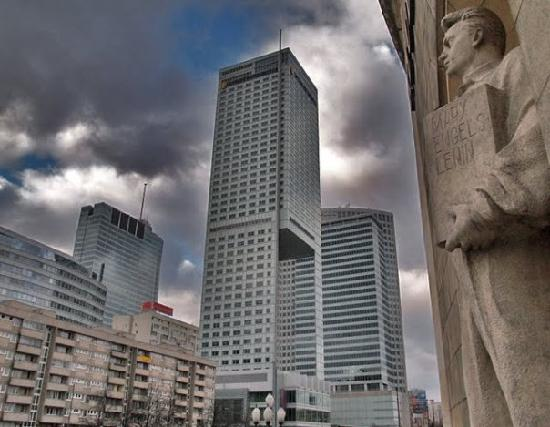 Around Warsaw- city guide : Warsaw architectural mix