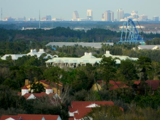 Lake Eve Resort: Seaworld in the distance