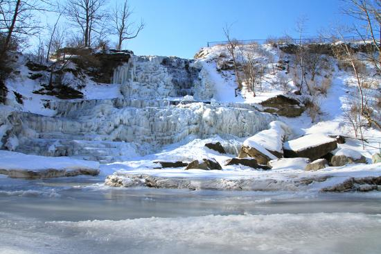 Waterfalls of Hamilton: Albion Waterfalls in winter