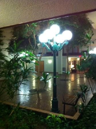 Ramkota Hotel: Atrium
