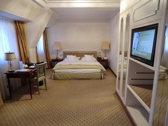 Excelsior Hotel Ernst: Zimmeransicht
