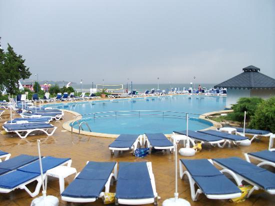 Helios Beach: lovely pool area