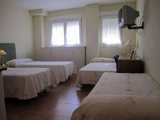 Hostal el Estudio: Habitación doble, con dos camas supletorias