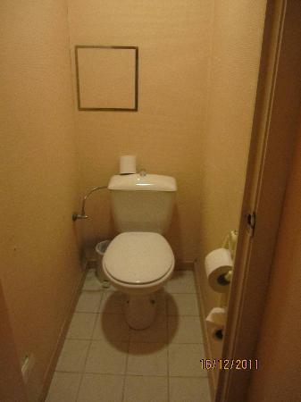 Chao Chow Palace: Clumsy toilet