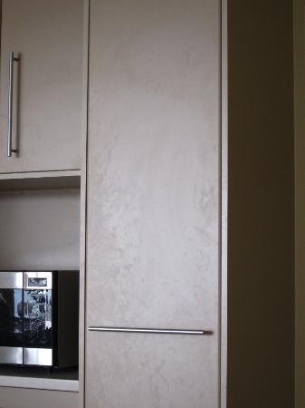 Salt on Kings Apartments: Oily kitchen.
