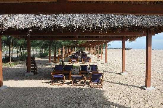 Saigon Hococ Seaside Beach Resort & Hotels : Beach huts after lunch