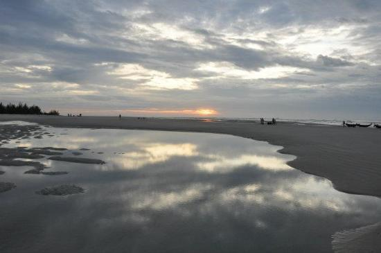 Saigon Hococ Seaside Beach Resort & Hotels: another beach view