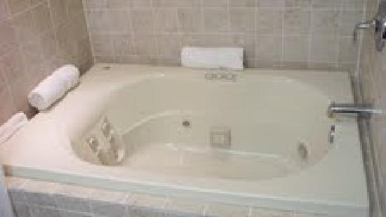 Greenville Inn: jacuzzie suite
