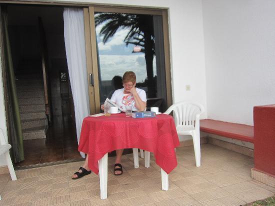 Corinto II: Breakfast