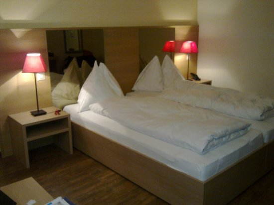 Hotel Piz St. Moritz: Bed