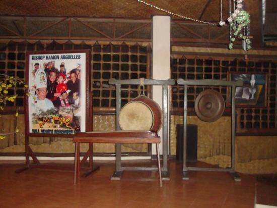 Viet Ville: musical instruments