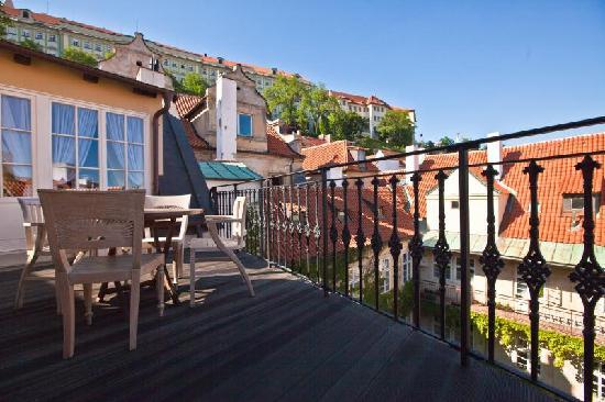 Alchymist Prague Castle Suites: De Castello terrace