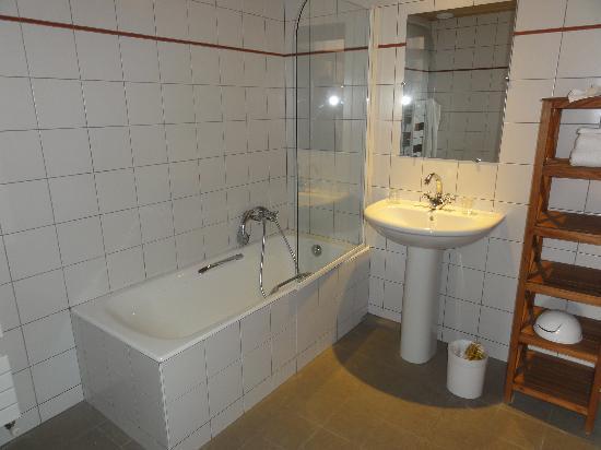 Hotel Bellier : bathroom