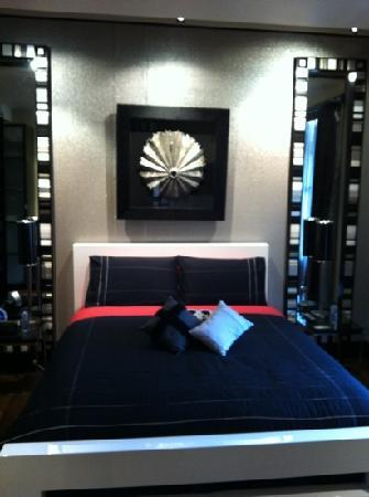 Corinda's Cottages: master bed room