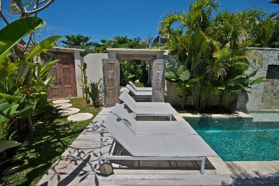 Pantai Indah Villas Bali: Connecting doors