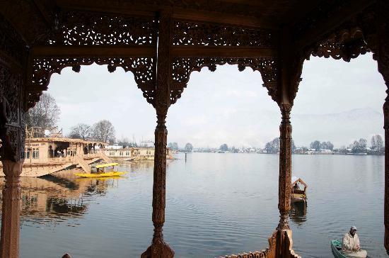 WelcomHeritage Gurkha Houseboats: VIEW