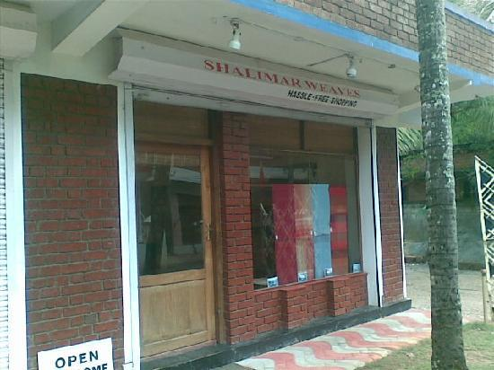 Shalimar Weaves: face of te shop