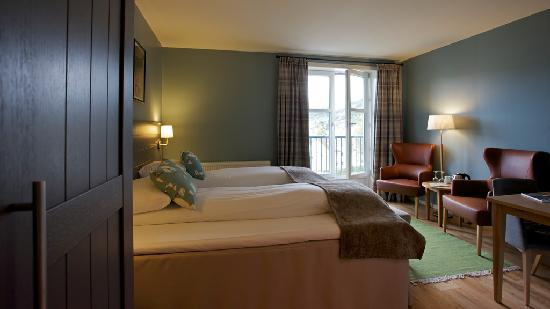 Gloppen Hotell: New nordic rooms. Great views to the fjord.