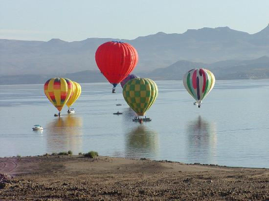 Sierra County, นิวเม็กซิโก: Elephant Butte Balloon Regatta - annually in September