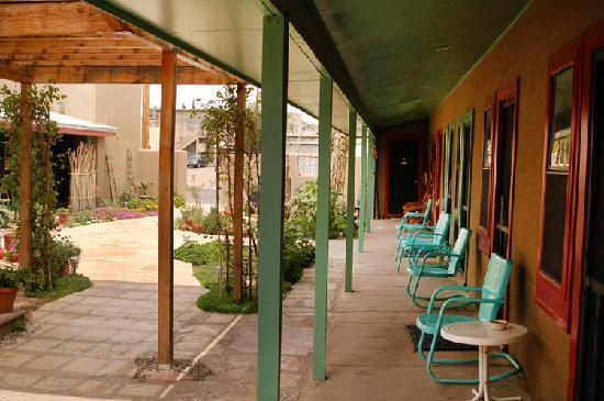 Sierra County, NM: Blackstone Hotsprings Courtyard