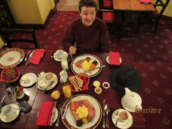 "Redbank Guest House: breakfast setting. ""The FULL Irish Breakfast"""