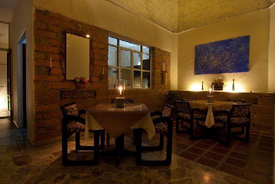 61Prado Guesthouse: dining room