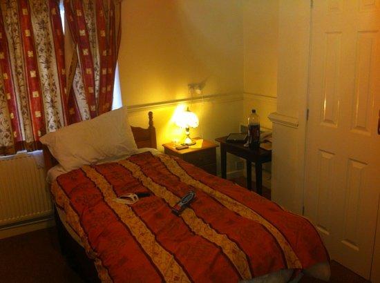 Ascot Grange Hotel:                   room 22