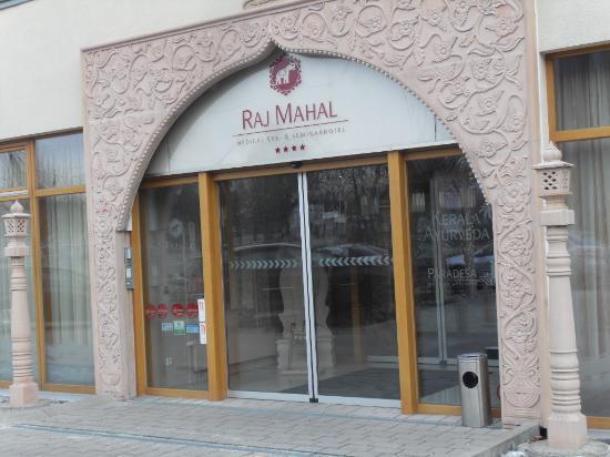 Raj Mahal Hotel: eingang sehr schön