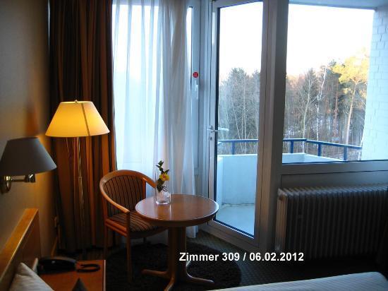 Best Western Hotel Kaiserslautern: Zimmer 309 Wohnbereich und Balkon