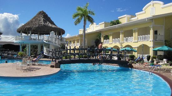 foto de telamar resort tela bar de la piscine tripadvisor