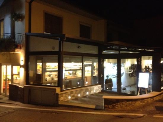 Pizzeria Ristorante Ristoro: Al Ristoro by night