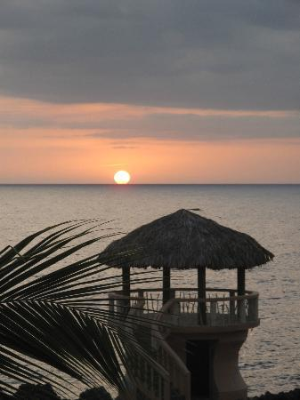 Negril Escape Resort & Spa: sunset from room