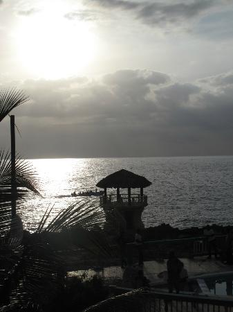 Negril Escape Resort & Spa: sunset