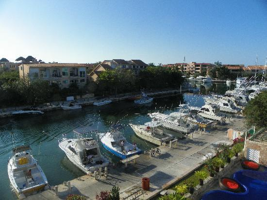 Aventuras Club: The Marina view from our balcony