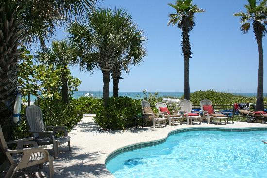 Gulfside Resorts: The wonderful pool, just steps from the beach.