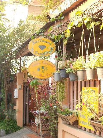 Tri Gong Residence: Restaurant