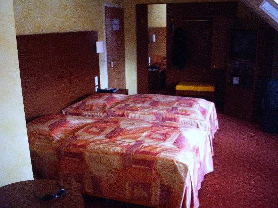 Novum Hotel Rega Stuttgart: Hotelzimmer