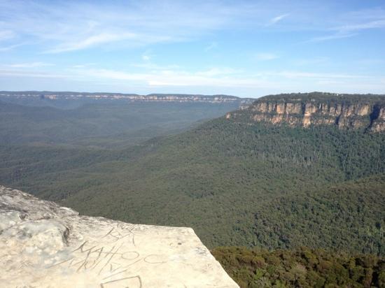 Blue Diamond Tours: Flat Rock lookout - No railings..... Yikes!