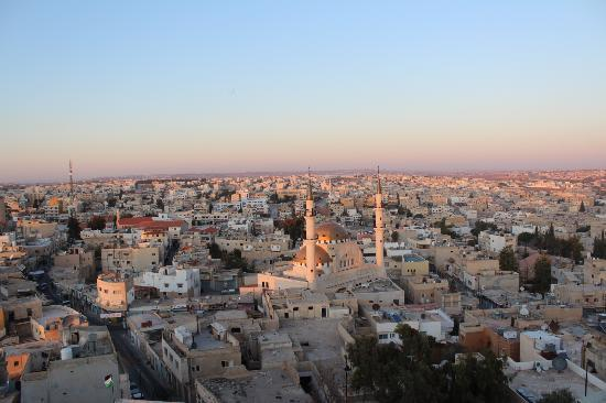 Queen Ayola Hotel: Nice view of Madaba town on top of the bell tower of Latin church