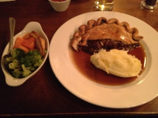 Black Bull: Steak & Ale pie