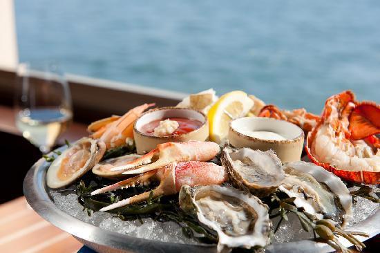 Schooners Coastal Kitchen & Bar: Cast A Big Net