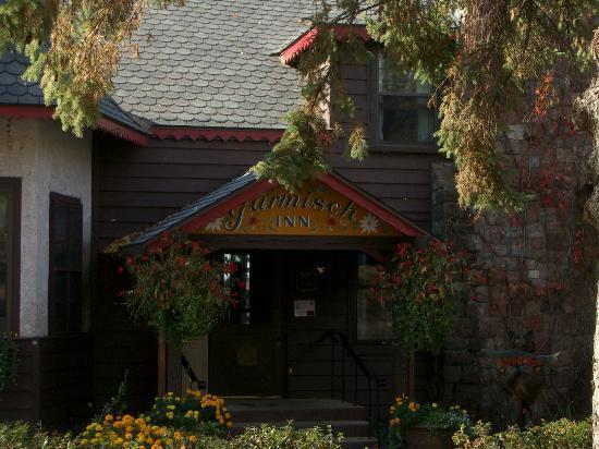 Garmisch USA Resort: Front entrance