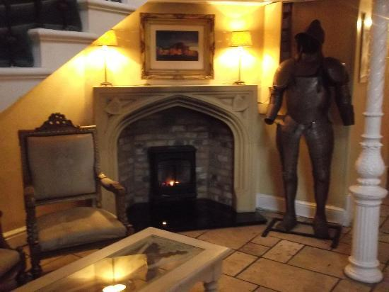 Leasowe Castle Hotel : Warm and welcoming entrance