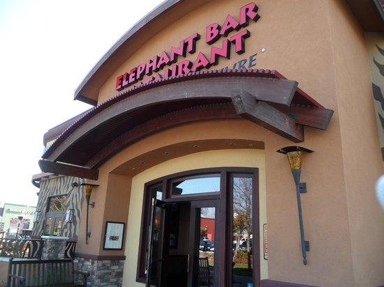 Elephant Bar Restaurant: Entrance