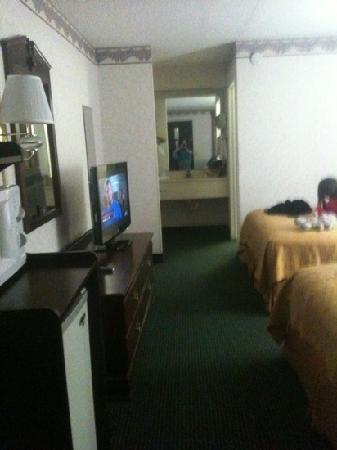 Quality Inn Hillsville: the room!