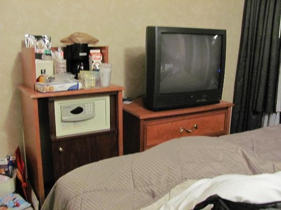 Heritage Hotel New York City: quarto do casal, com quarto dos filhos adjacentes: apertadinho, mas cama muito boa.