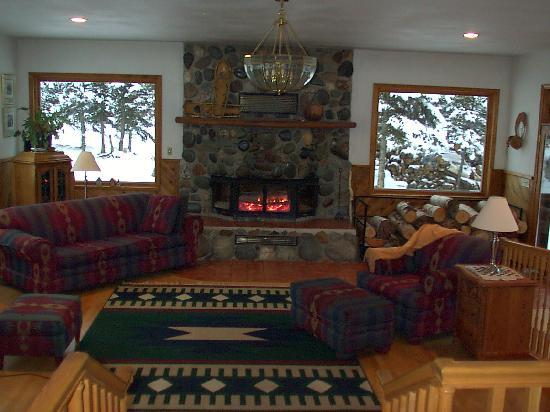 Denali Dome Home Bed and Breakfast: Denali Dome Home has several common areas to enjoy.