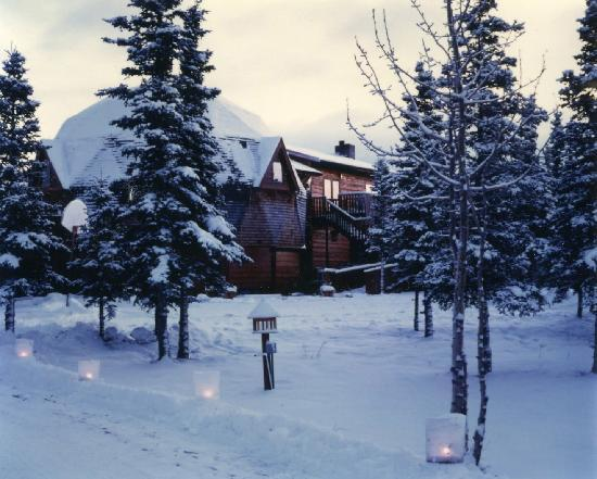Denali Dome Home Bed and Breakfast: Denali Dome Home has year-round accommodations.