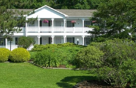 Photo of Cedar Crest Inn Camden