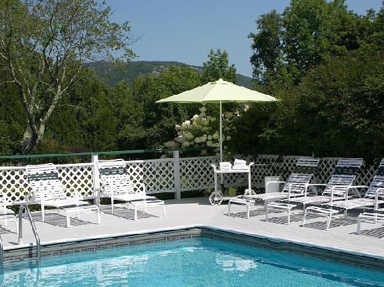 Cedar Crest Inn: 20' x 30' outdoor pool